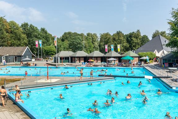 faciliteit-openlucht-zwembad-5cb700936bcf5